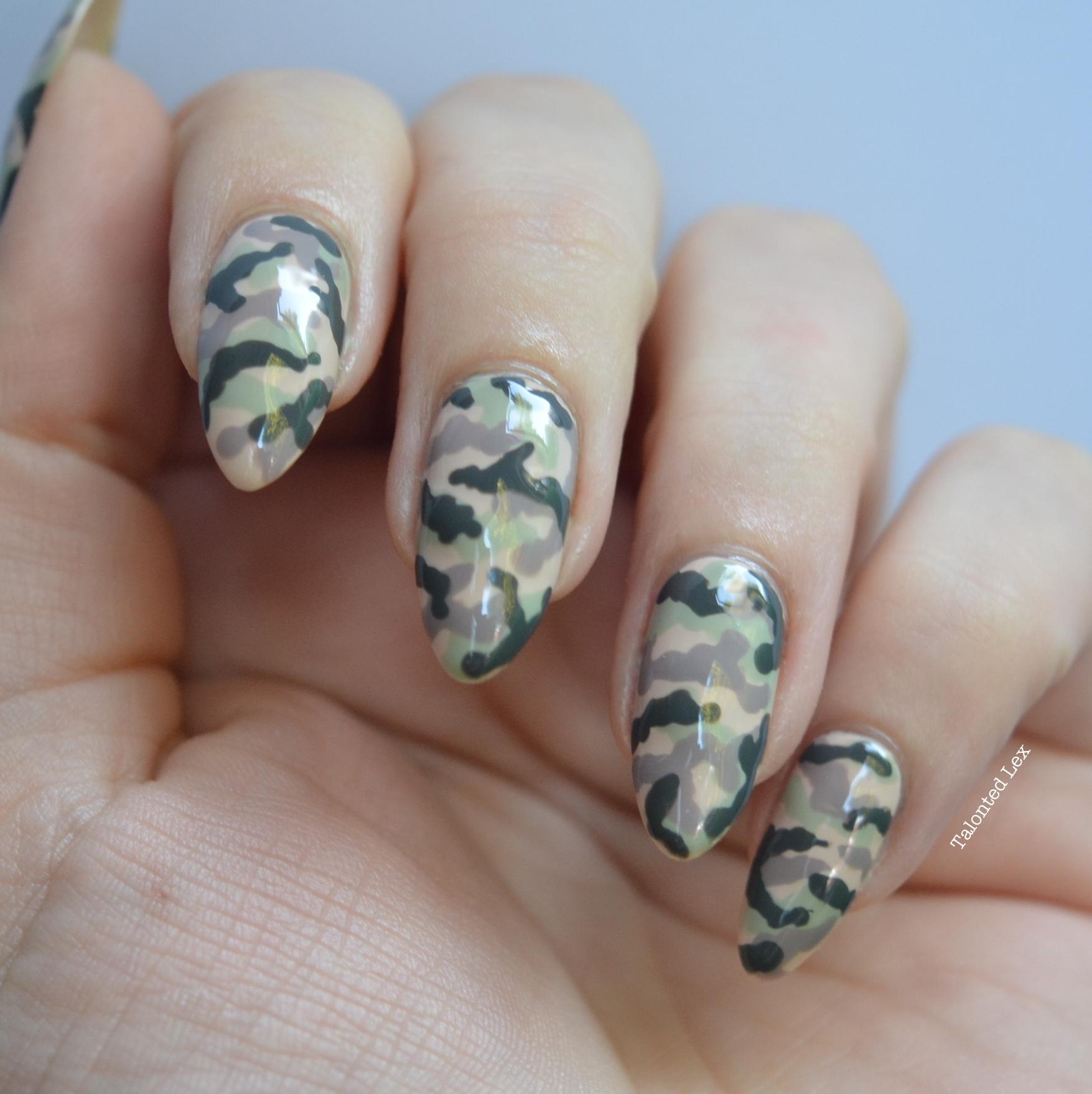 Mani-Monday-Camouflage-nail-art-Talonted-Le4