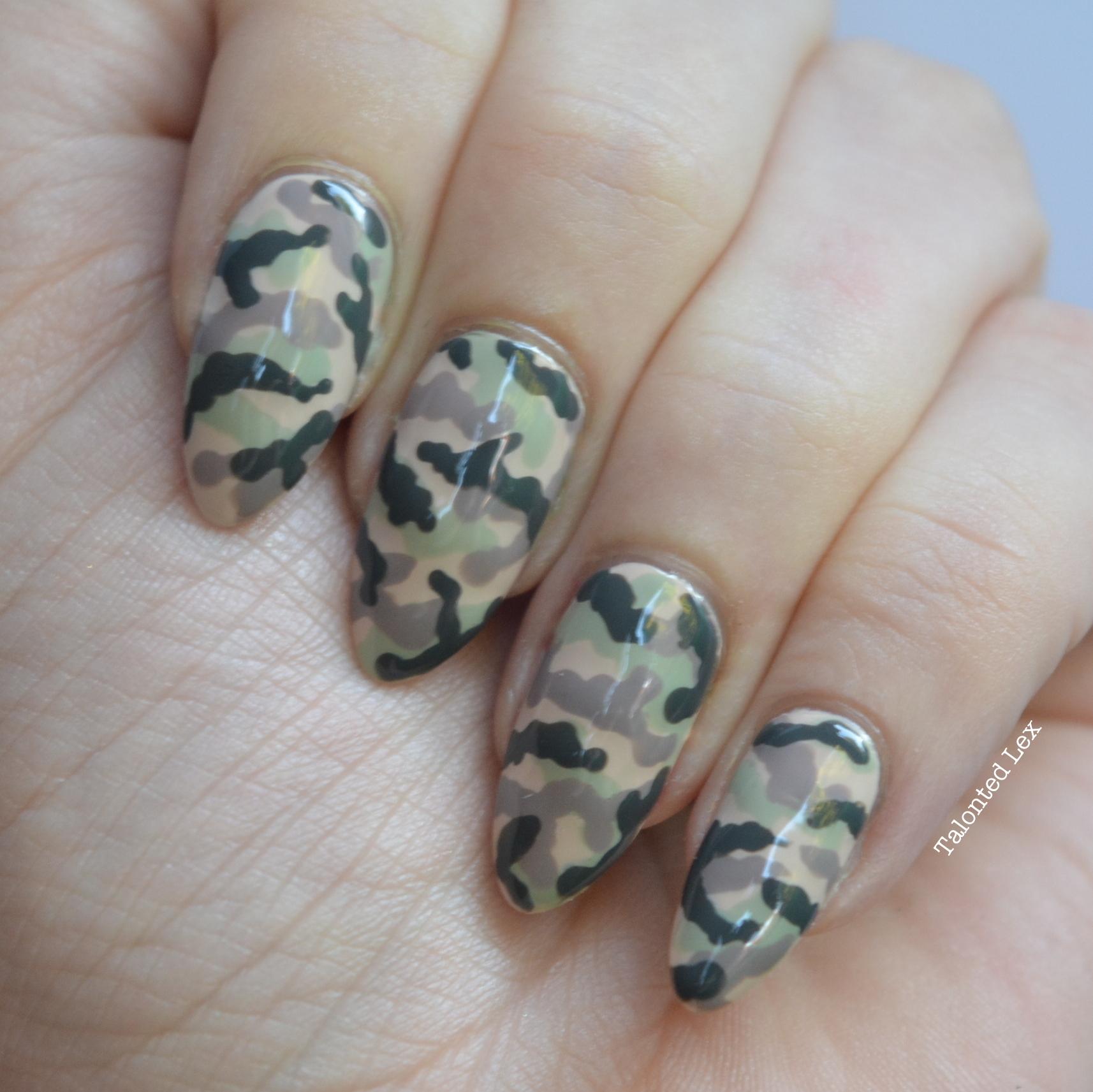 Mani-Monday-Camouflage-nail-art-Talonted-Lex