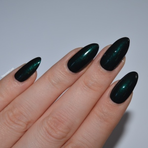 HJ-nail-varnish-review-Alpine-Green-talonted-lex-3