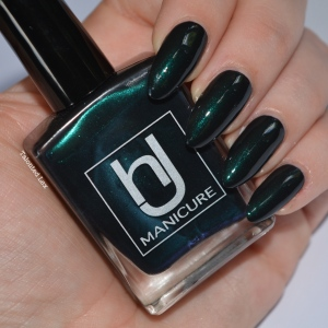 HJ-nail-varnish-review-Alpine-Green-talonted-lex-5