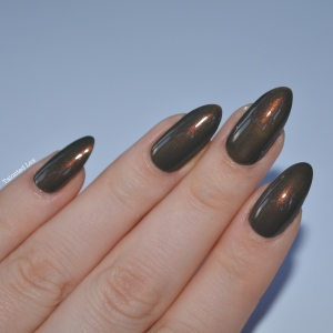 HJ-nail-varnish-review-Vintage-Bronze-talonted-lex-3
