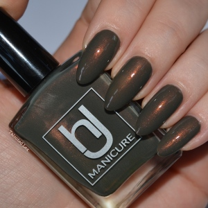HJ-nail-varnish-review-Vintage-Bronze-talonted-lex-4
