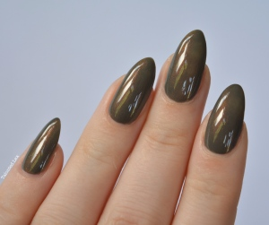 HJ-nail-varnish-review-Vintage-Bronze-talonted-lex