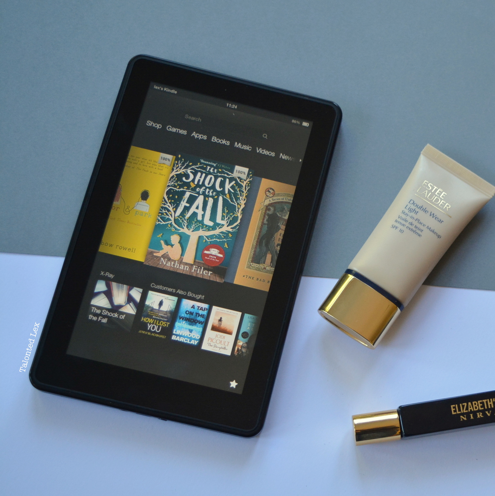 September-15-Monthly-Beauty_Lifestyle-Favourites-Talonted-Lex-Kindle-Estee-Lauder-Double-Wear-Light