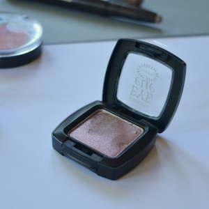 September-15-Monthly-Beauty_Lifestyle-Favourites-Talonted-Lex-Seventee-Eye-Eyeshadow