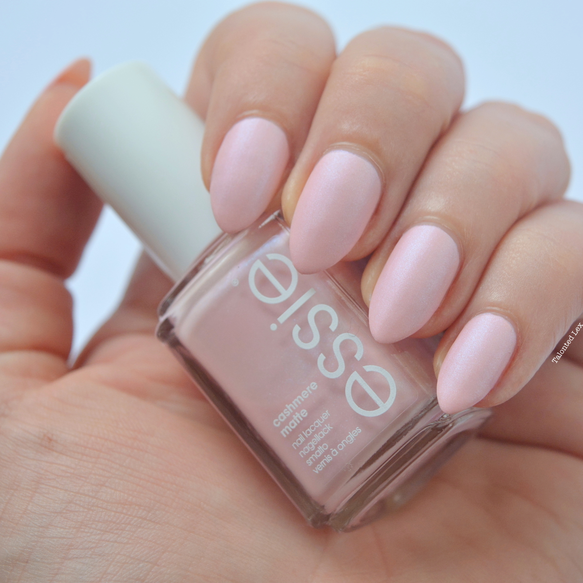 essie-Cashmere-Collection-matte-review-swatches-just-stitched-talonted-lex-4