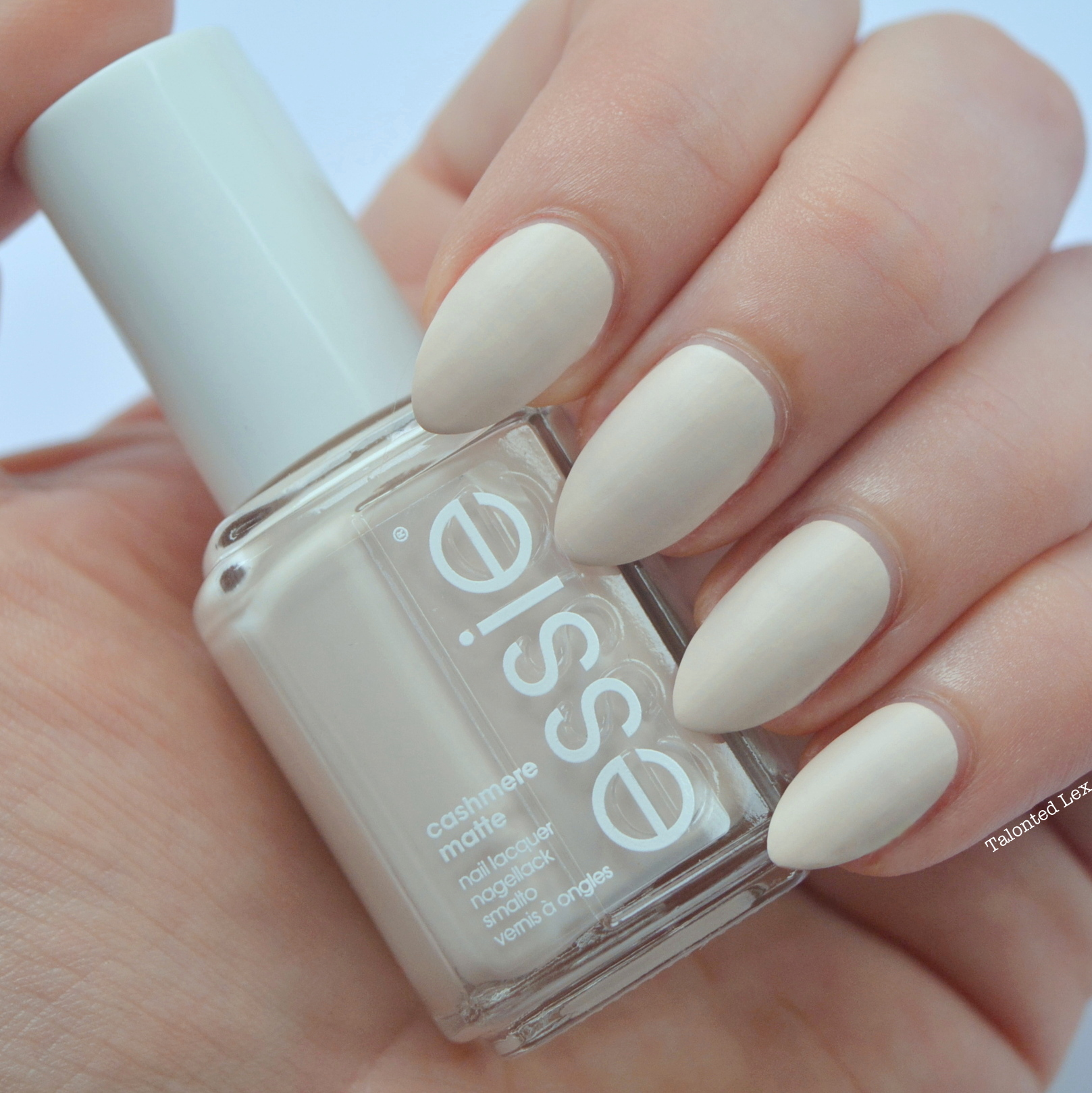 essie-Cashmere-Collection-matte-review-swatches-wrap-me-up-talonted-lex-4
